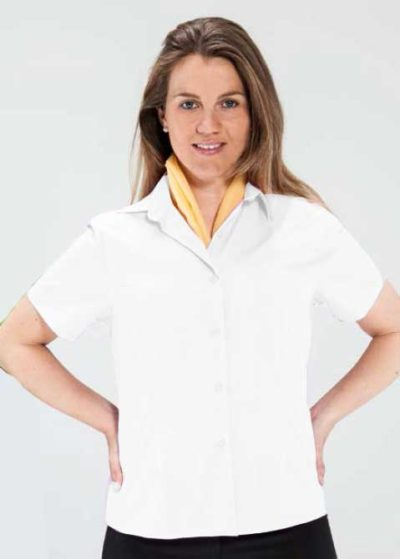 Blusa entallada manga corta